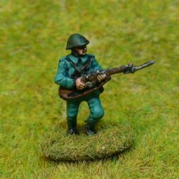 3 x Infantryman attacking with bayonets in different poses